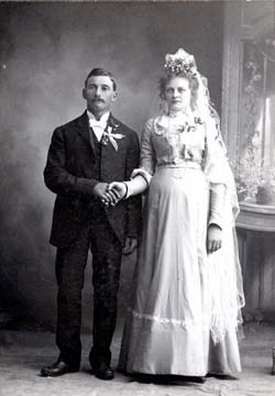 John & Bertha Goettsch Bahr Wedding Photo
