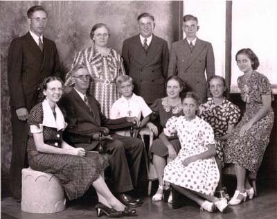 John and Edna Horst Peeters Family 1936